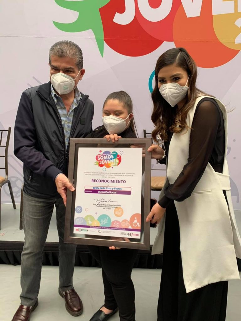 La joven ganó el Premio Estatal de la Juventud 2020 en la categoría de inclusión social. Foto: Especial
