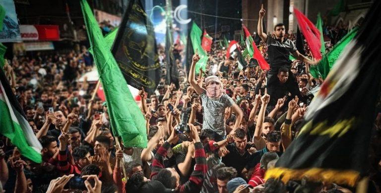 Palestinos celebran cese al fuego en la Franja de Gaza